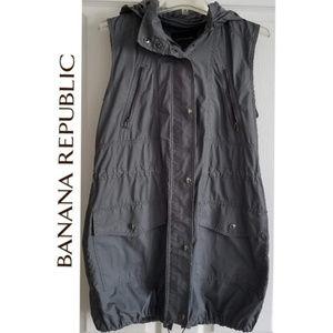 BANANA REPUBLIC Hooded Lightweight Vest - S